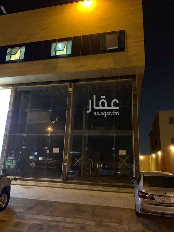 محل للإيجار في شارع الصابر ، حي العريجاء الغربية ، الرياض