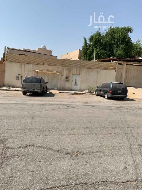 بيت للبيع في شارع عبدالملك السلمي ، حي البديعة ، الرياض