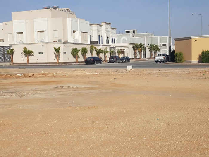 أرض للبيع في شارع سليمان العدواني ، حي عرقة ، الرياض ، الرياض