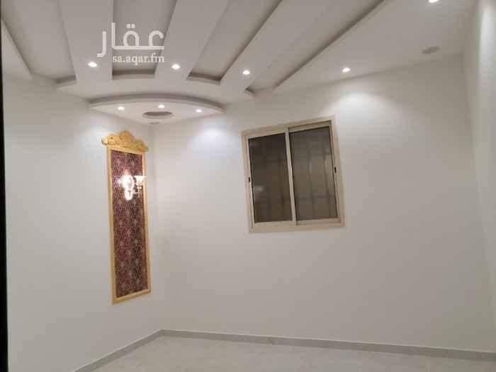 فيلا للبيع في شارع نجم الدين الأيوبي الفرعي ، حي العوالي ، الرياض