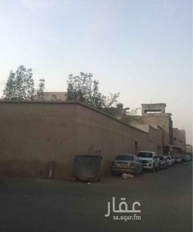 بيت للبيع في شارع النفيـس ، حي اليمامة ، الرياض