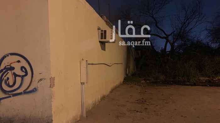 استراحة للبيع في شارع عمر بن عمار ، حي المصانع ، الرياض