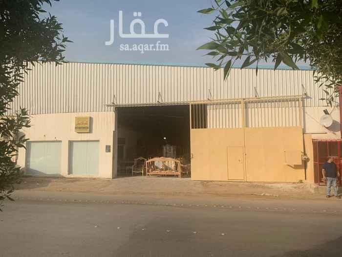 محل للبيع في شارع الامام مسلم ، حي بدر ، الرياض