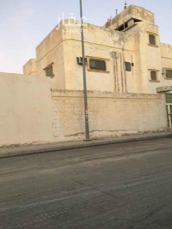 فيلا للبيع في شارع ابن الخياري ، حي الشفا ، الرياض ، الرياض