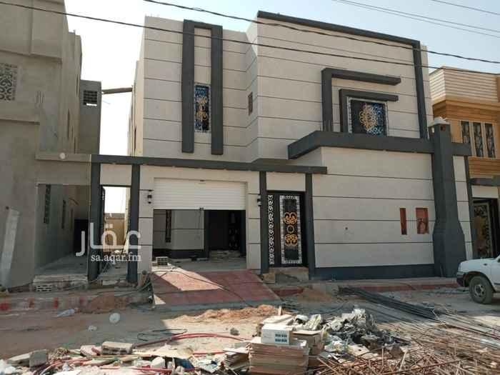 فيلا للبيع في شارع يحيى بن جابر الطائي ، الرياض