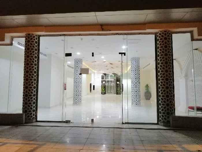 عمارة للبيع في شارع ابراهيم الهلالي ، حي القادسية ، الرياض