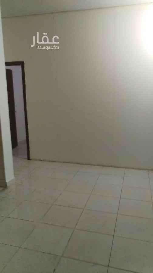 شقة للإيجار في شارع بيعة العقبة ، حي السعادة ، الرياض ، الرياض