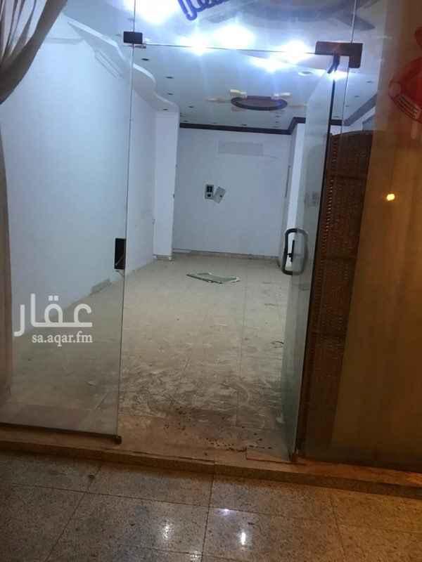 محل للإيجار في شارع الامير ناصر بن فرحان ، حي صلاح الدين ، الرياض ، الرياض