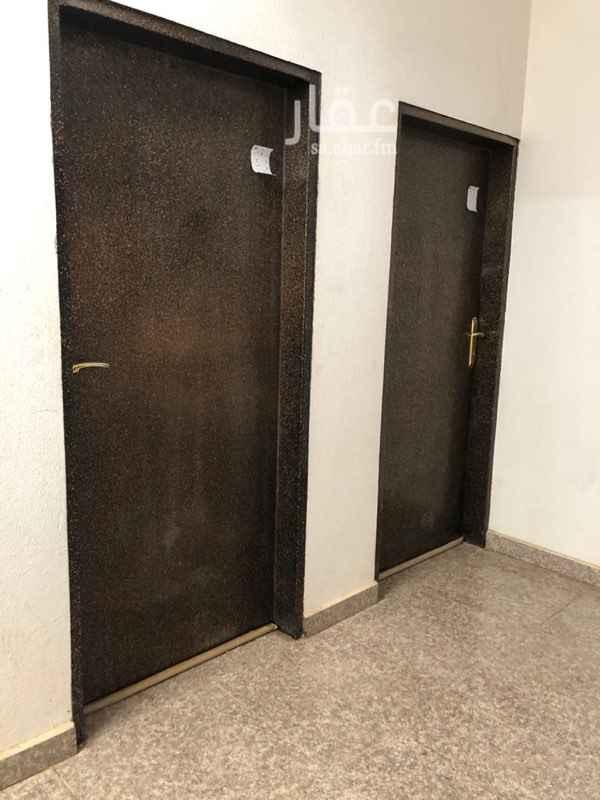 شقة للإيجار في شارع مقمور ، حي ظهرة لبن ، الرياض ، الرياض