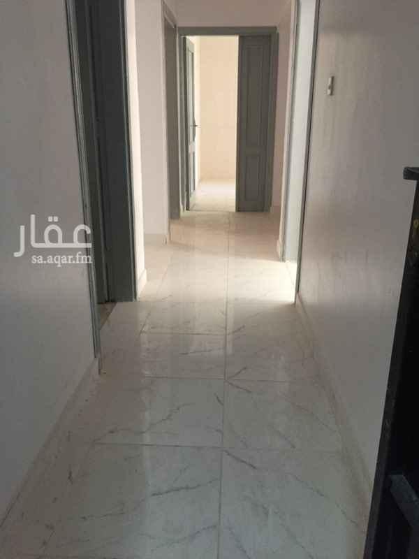 دور للإيجار في شارع ابن مجاهد ، حي النسيم الشرقي ، الرياض