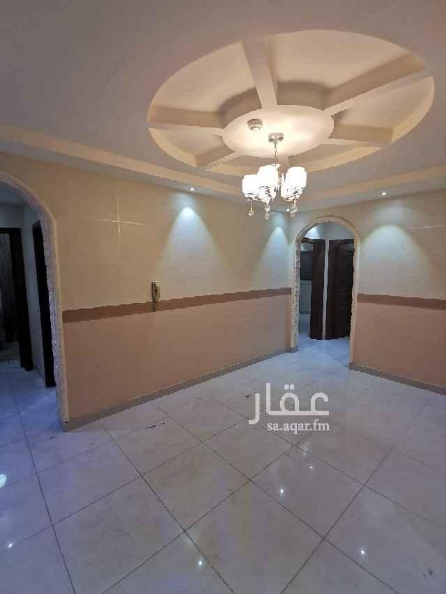 مكتب تجاري للإيجار في شارع عبدالمحسن الحلبي ، حي المروة ، جدة ، جدة