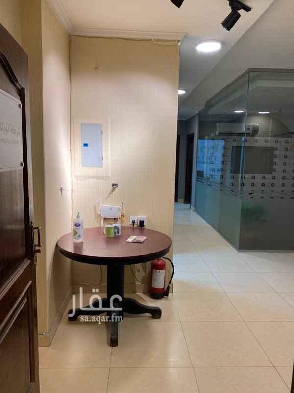 مكتب تجاري للإيجار في شارع الدمشقي ، حي الرحمانية ، الرياض ، الرياض