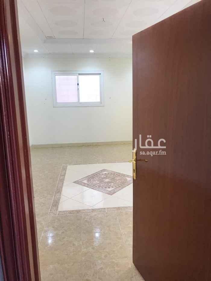 دور للإيجار في شارع غدير محمد عبدالله العاطفي القحطاني ، حي الشهداء ، الرياض