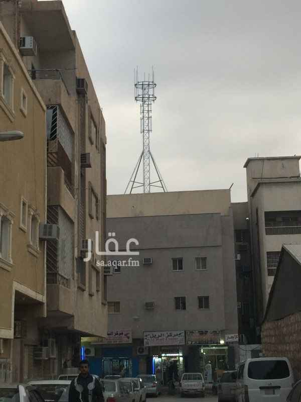 شقة للإيجار في شارع احمد بن فارس ، حي ثليم ، الرياض
