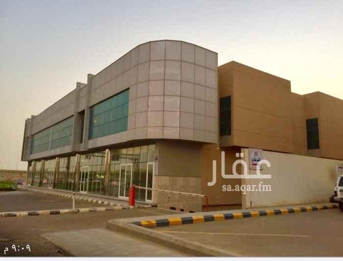عمارة للإيجار في شارع السمح بن مالك ، حي الاسكان ، الرياض