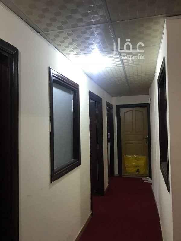 مكتب تجاري للإيجار في شارع طریق المسجد الحرام ، حي الروضة ، مكة