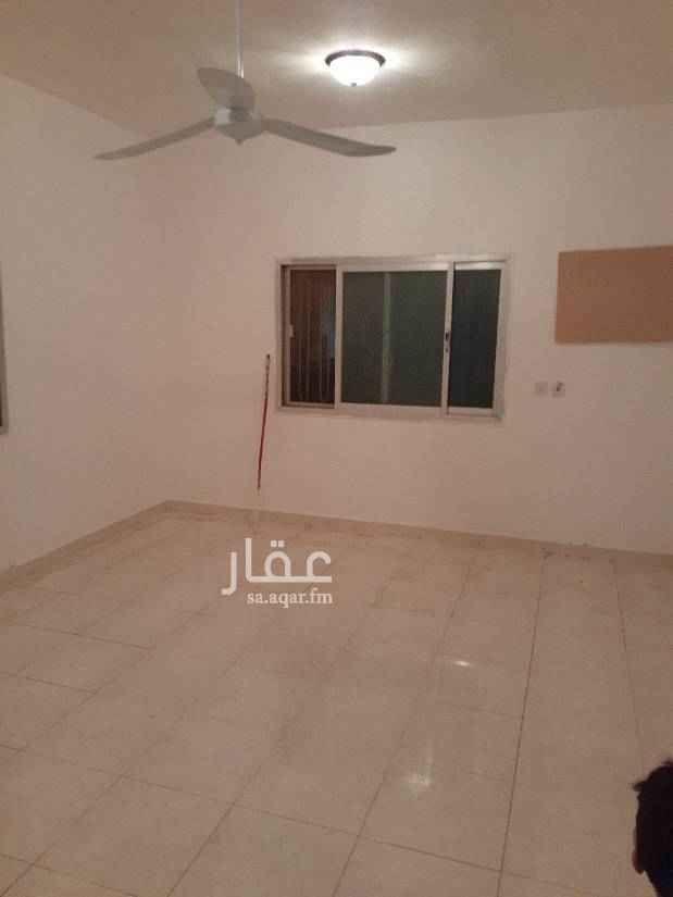 دور للإيجار في شارع عمر السلمي ، حي الروضة ، الرياض