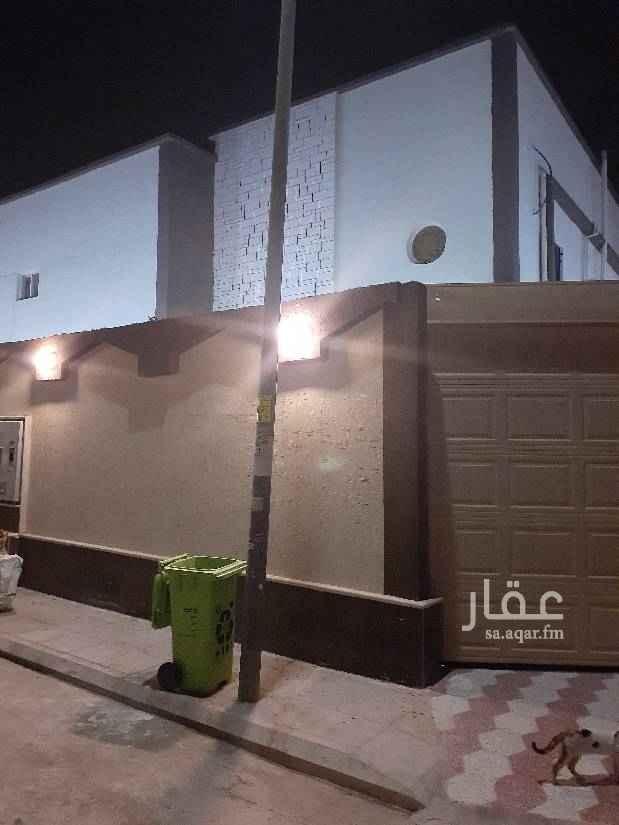 دور للإيجار في شارع فرات بن حيان ، حي الروضة ، الرياض