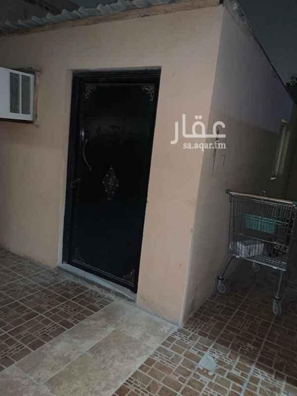 فيلا للبيع في شارع ابن البانياسي ، حي الربوة ، الرياض ، الرياض