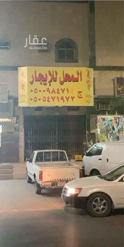 محل للإيجار في شارع عبادة بن الصامت ، حي الروضة ، الرياض