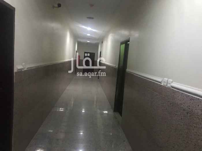 مكتب تجاري للإيجار في شارع الوادي, هجرة لبن, الرياض