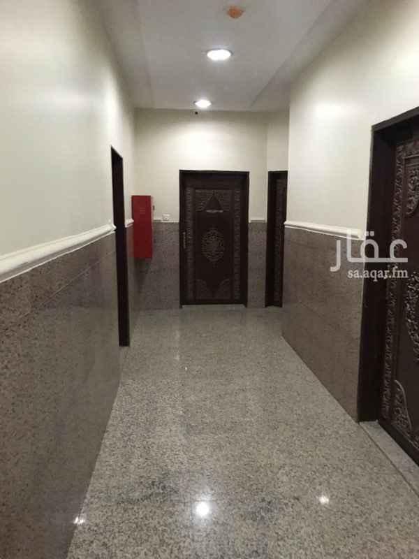 مكتب تجاري للإيجار في شارع الوادي ، حي هجرة لبن ، الرياض