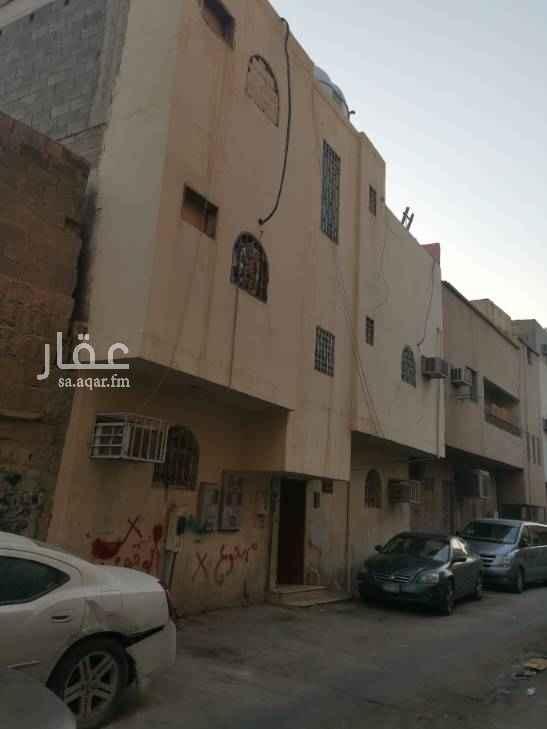 عمارة للبيع في شارع الاغر ، حي منفوحة الجديدة ، الرياض