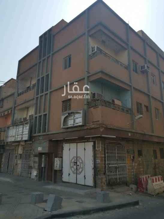 عمارة للبيع في شارع الامير محمد بن عبدالرحمن ، حي منفوحة ، الرياض
