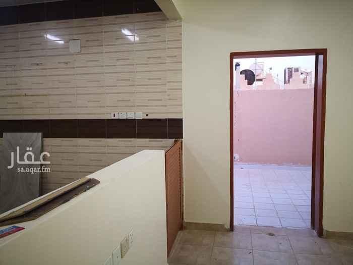 شقة للإيجار في شارع معاذ بن جبل ، حي العزيزية ، الرياض ، الرياض