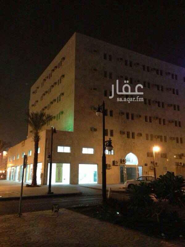 عمارة للبيع في شارع رقم 40 ، الرياض