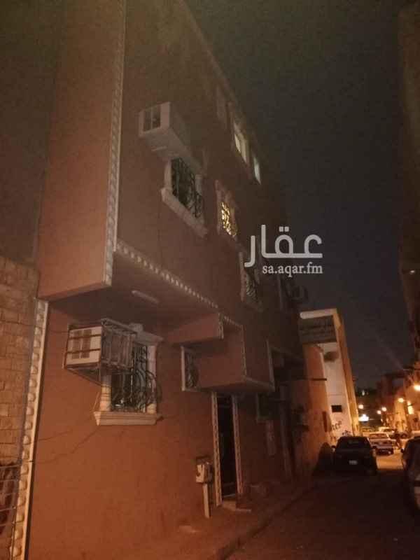 عمارة للبيع في شارع حماد بن زيد ، حي العود ، الرياض