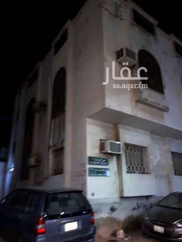 شقة للإيجار في شارع عاصم بن عمر ، حي الشرفية ، جدة