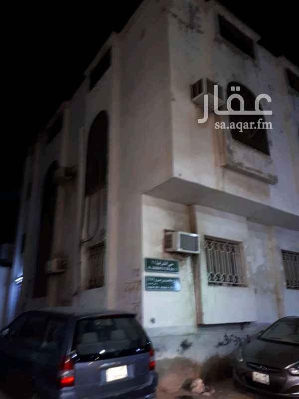 دور للإيجار في شارع ابو عزيز ، حي الشرفية ، جدة