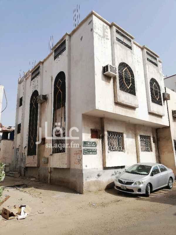 شقة للإيجار في شارع ابو عزيز ، حي الشرفية ، جدة