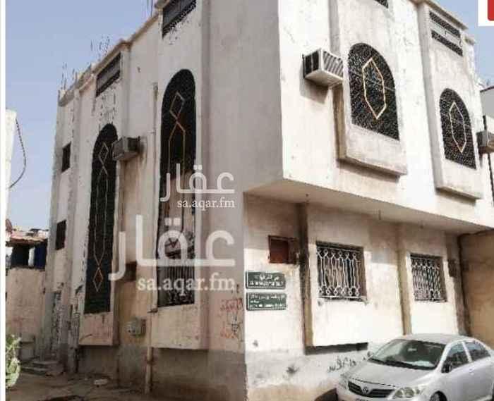 بيت للبيع في شارع ابو عزيز ، حي الشرفية ، جدة