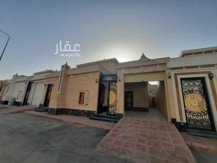 دور للبيع في شارع لقاح ، حي عكاظ ، الرياض ، الرياض