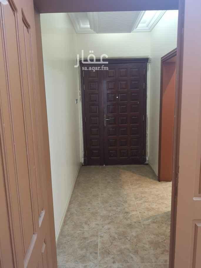 شقة للإيجار في شارع عبدالحفيظ القاريء ، حي السامر ، جدة