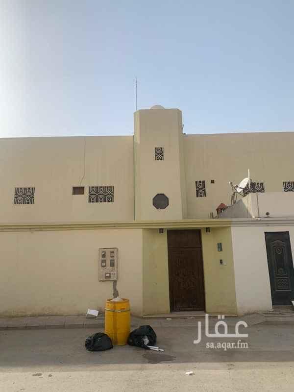 دور للإيجار في شارع عبدالله الدارمي ، حي النهضة ، الرياض