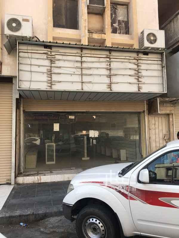 محل للإيجار في شارع جدة ، حي الثقبة ، الخبر