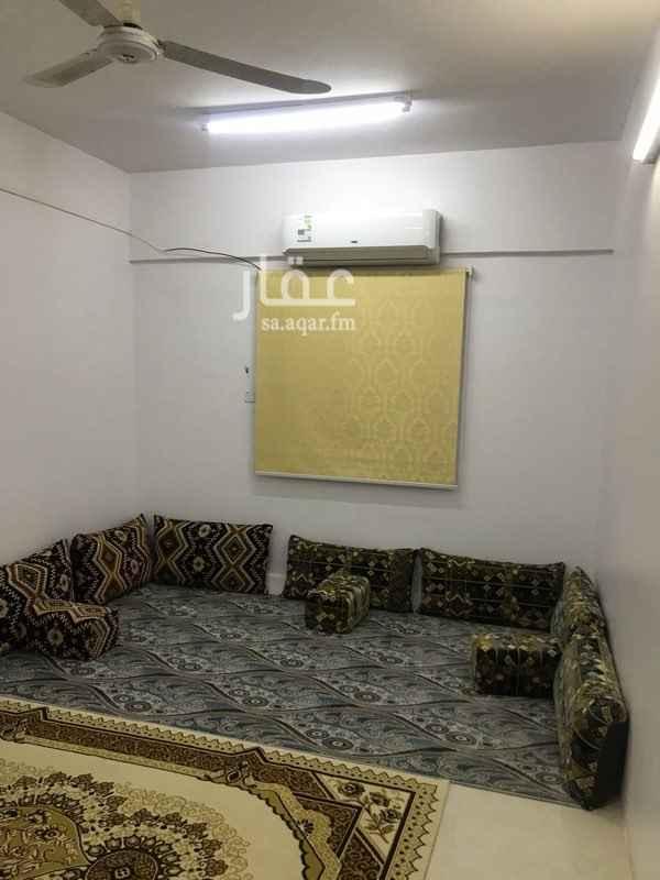 شقة للإيجار في شارع الشيخ خليفة بن حمد ال ثاني ، حي المعيزيلة ، الرياض