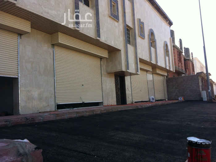 مستودع للإيجار في شارع علي بن عمر العواني ، حي الدفاع ، المدينة المنورة