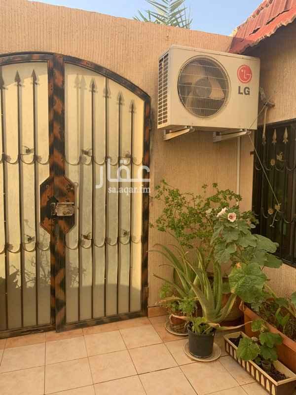 بيت للبيع في شارع عزيزة بنت عبدالملك ، حي الروضة ، الرياض ، الرياض