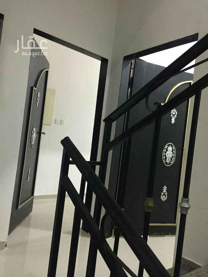 شقة للإيجار في شارع محمد بن القزاز ، حي الجنادرية ، الرياض