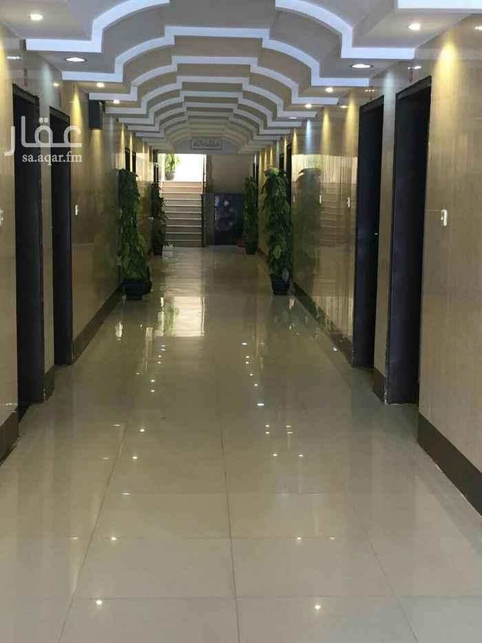عمارة للبيع في شارع محمد بن القزاز ، حي الجنادرية ، الرياض ، الرياض