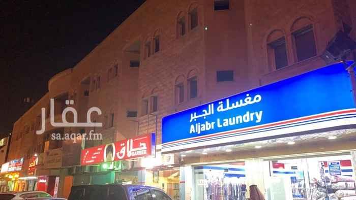 عمارة للإيجار في طريق العروبة الفرعي ، حي أم الحمام الغربي ، الرياض
