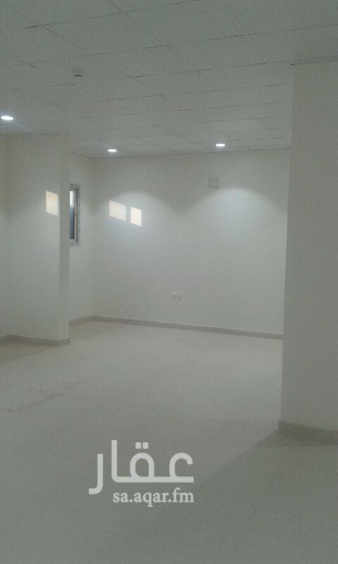 مكتب تجاري للإيجار في شارع حائل ، حي ظهرة لبن ، الرياض