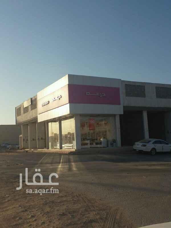 عمارة للإيجار في شارع نجم الدين الأيوبي الفرعي ، حي طويق ، الرياض