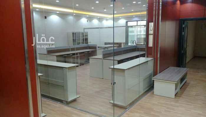 مكتب تجاري للإيجار في شارع مقلة بن عبيد ، حي غرناطة ، الرياض