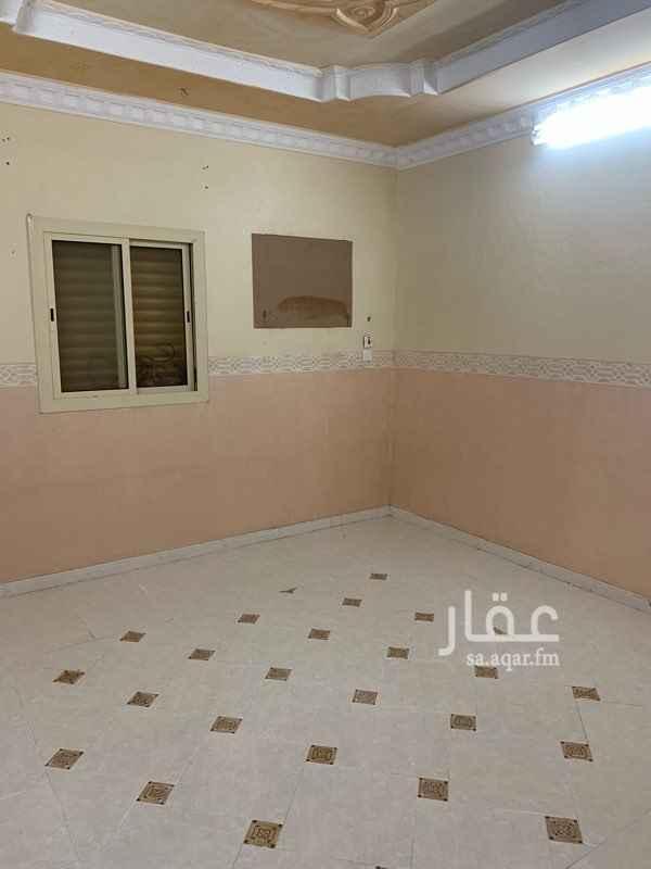 شقة للإيجار في شارع عقبة الزرقي ، حي العزيزية ، المدينة المنورة