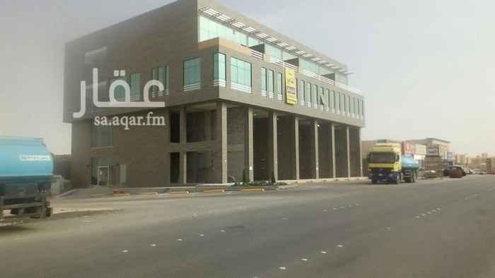 محل للإيجار في شارع رقم 378 ، الرياض